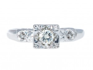 0.17-carat-diamond-engagement-ring