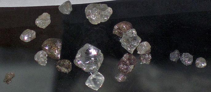 686px-Diamonds,_State_Line_Kimberlite_Field,_Colorado-Wyoming