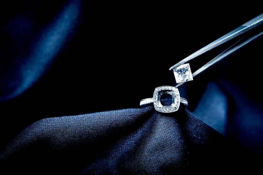 Diamond with Tweezer