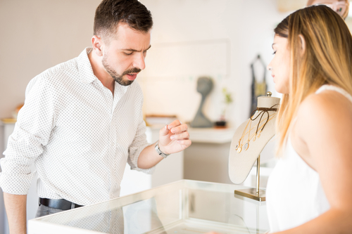 Don T Make These Mistakes When Buying An Engagement Ring
