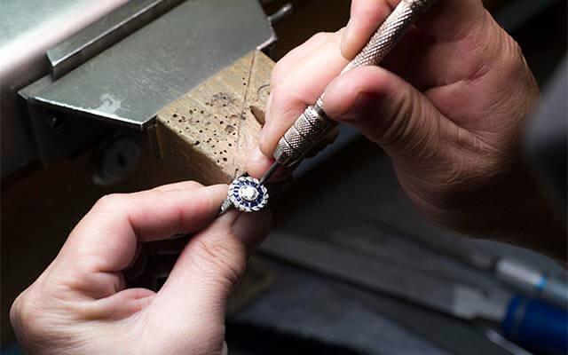 Who Buys Diamond Rings Near Me