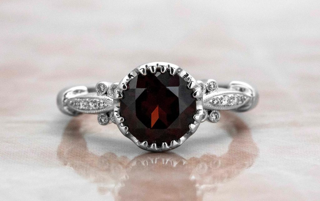 picture of garnet ring