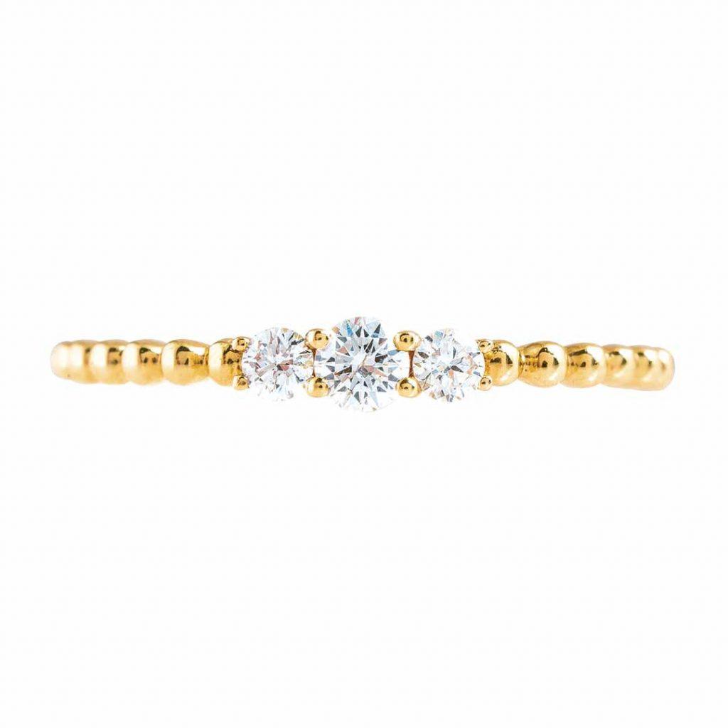 image of yellow gold diamond ring