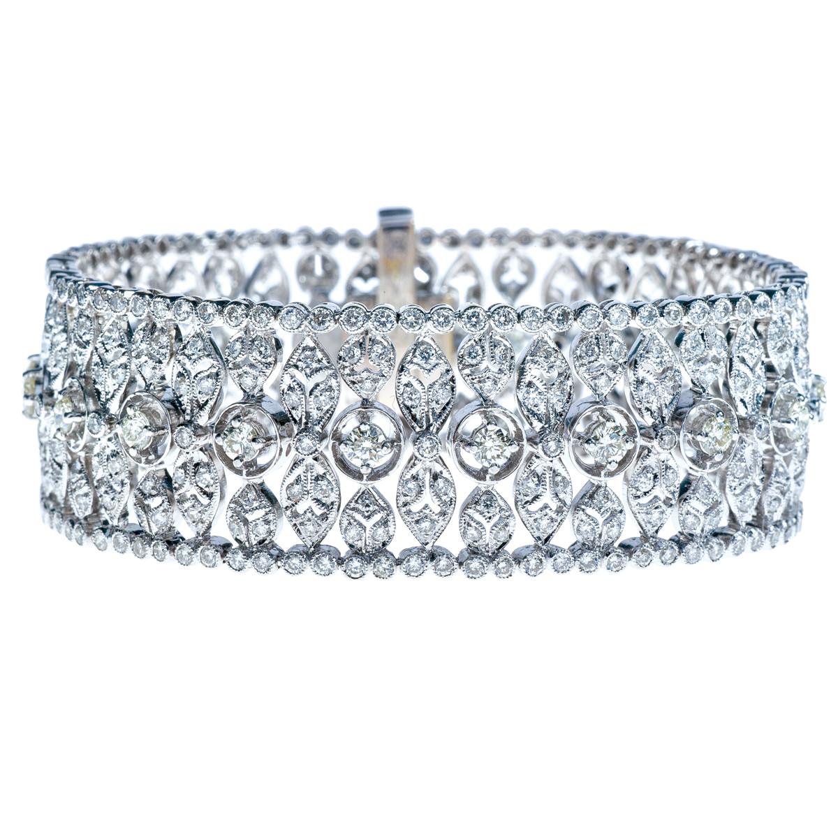 Vintage 5.61 CTW Diamond Leaf Bracelet