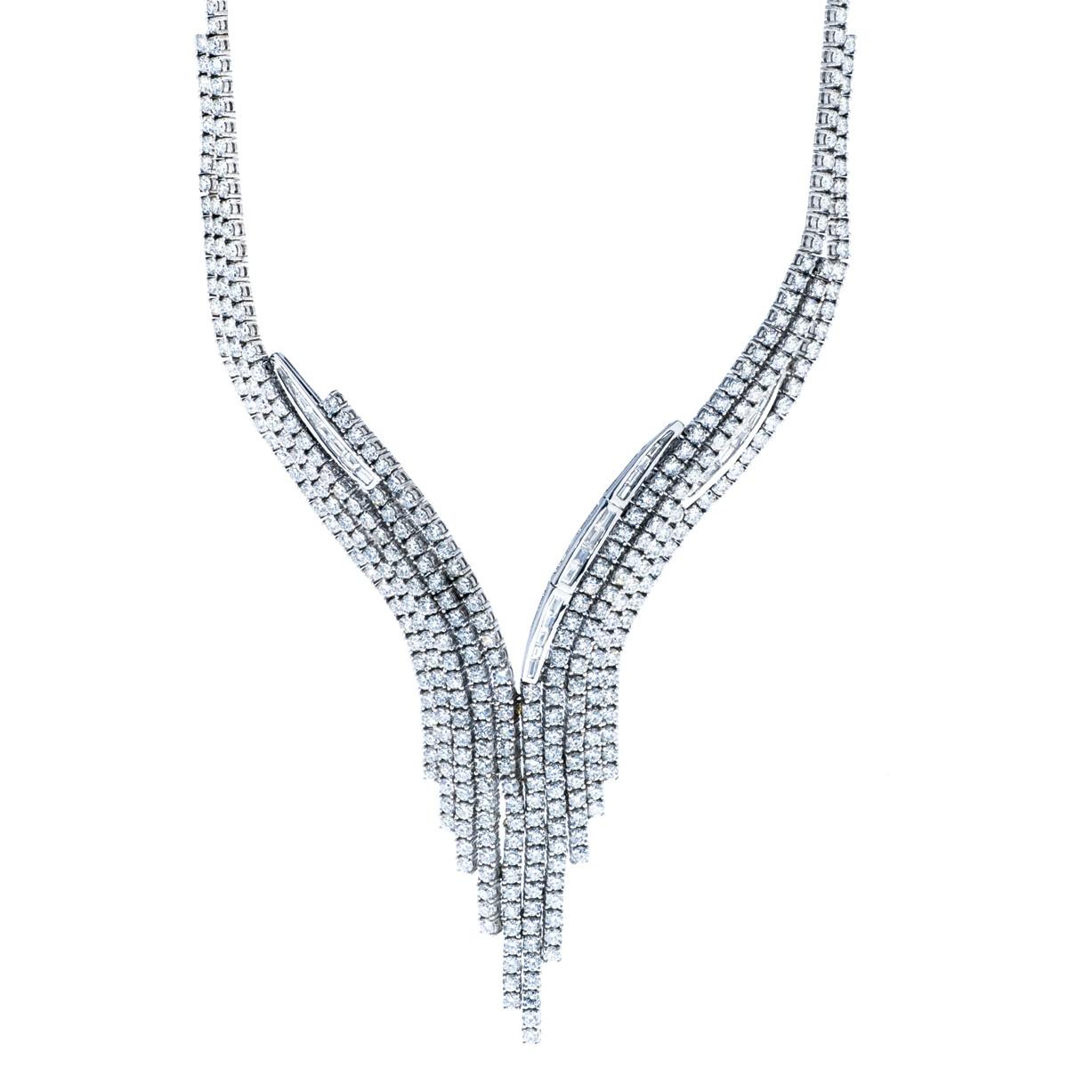 """Vintage 30.00 CTW Diamond """"V"""" Necklace"""
