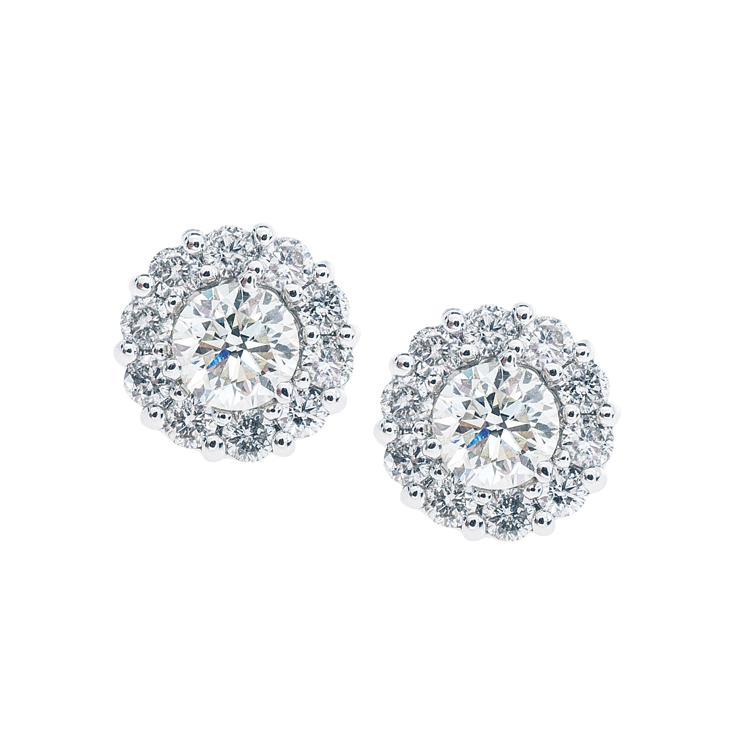 New 0.75 CTW Diamond Stud Earrings