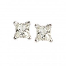 New 0.33 CTW Diamond Stud Earrings