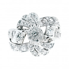 Retro 0.65 CTW Diamond Bow Ring