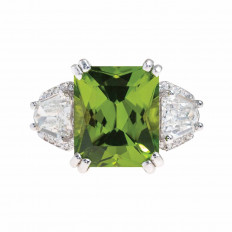 Vintage 10.50 CTW Peridot & Diamond Ring